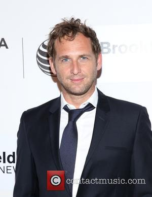 Josh Lucas Moves Back In With Ex-wife - Report