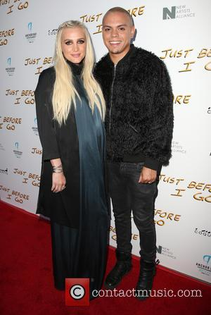 Ashlee Simpson Evan Ross Share First Picture Of Their Beautiful Daughter, Jagger Snow