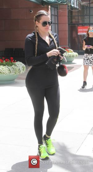 Khloe Kardashian - Khloe Kardashian leaving a salon in Beverly Hills - Beverly Hills, California, United States - Thursday 30th...