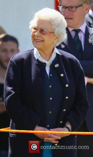 Leibovitz To Snap The Queen