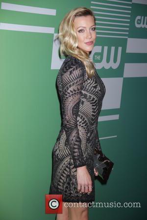 Katie Cassidy Confirmed To Return For Arrow Season 6