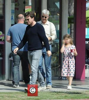 Jason Bateman, Francesca Bateman and Kent Bateman - Actor Jason Bateman spending quality time with his dad Kent and daughter...