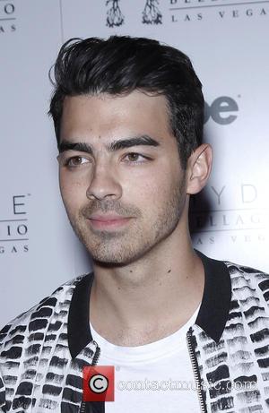 Joe Jonas - Joe Jonas takes over the DJ Booth at Hyde Bellagio at Bellagio Resort Hotel and Casino -...