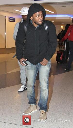 Kendrick Lamar - Hip-hop artist Kendrick Lamar leaves Los Angeles International Airport (LAX) - Los Angeles, California, United States -...
