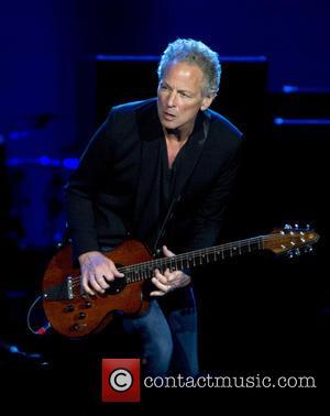 Fleetwood Mac Drop Lindsey Buckingham From New Tour Line-Up