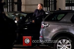 Ralph Fiennes, Trafalgar Square, Daniel Craig