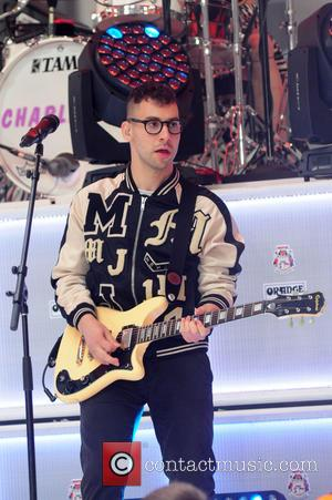 Jack Antonoff Hospitalised Before Gig
