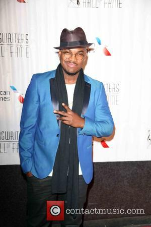 Ne-yo And Common Join The Wiz Live!