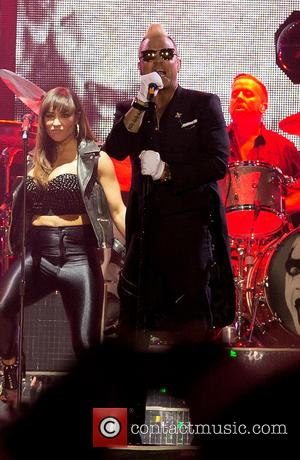 Robbie Williams - Robbie Williams performing live at the Bravalla Festival at Bravalla Festival - Norrkoping, Sweden - Friday 26th...