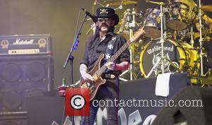 Lemmy Recovers From Lung Infection