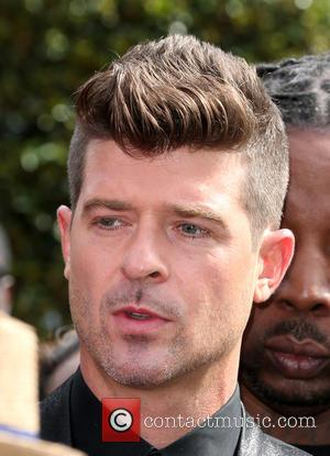 Robin Thicke's Representative Dismisses Engagement Rumours