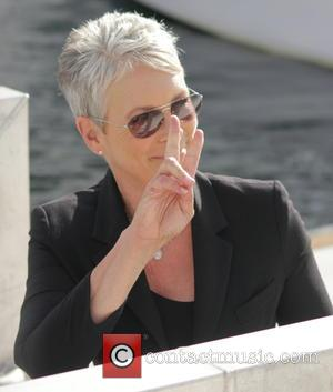 Jamie Lee Curtis Goes Undercover At Gaming Tournament