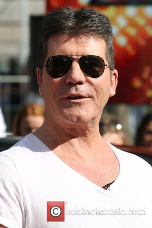 Simon Cowell Recalls Work Struggles After Mother's Death