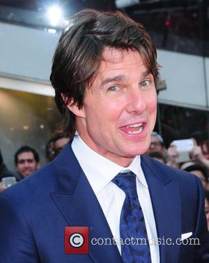 Tom Cruise Honours Nascar Driver At Awards Gala