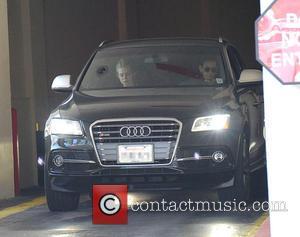 Elle Fanning , Heather Joy Arrington - Elle Fanning spotted at the McDonald's drive-thru with her mother Heather Joy Arrington...