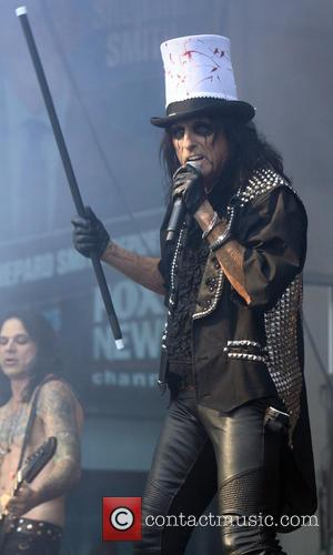 Alice Cooper Remembers Late Rock 'N' Roll Chef Kerry Simon