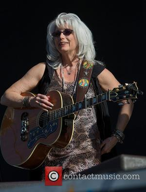 Emmylou Harris Shining Light On World Refugee Crisis With Tour