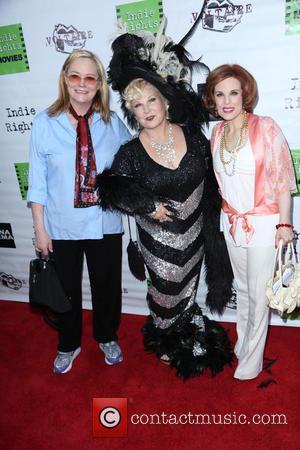 Cybill Shepherd, Victoria Mills and Kat Kramer