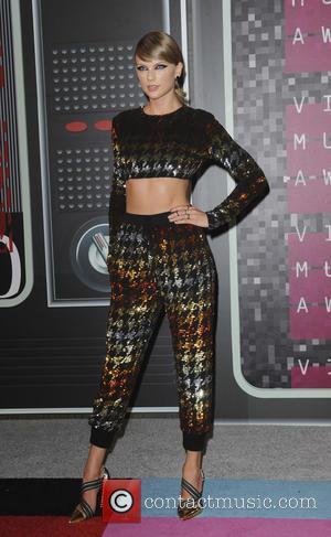 Taylor Swift Overtakes Kim Kardashian As Most Followed Instagram User