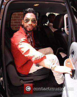 Miguel Surprises Fans With Star-studded Gig