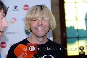 Tim Burgess Offers Morrissey Record Deal