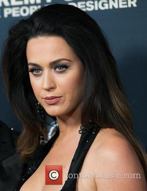 Katy Perry Leaves Her Mark In Hollywood Handprint Ceremony