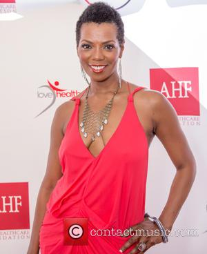 Vanessa Williams - Robi Reed's 13th Annual Sunshine Beyond Summer - Red Carpet Arrivals at Private Estate - Woodland Hills,...
