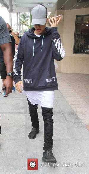 Justin Bieber - Justin Bieber leaves a medical building in Beverly Hills - Los Angeles, California, United States - Friday...