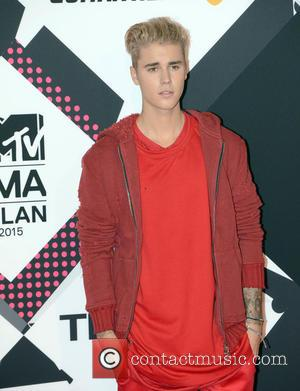 Justin Bieber Apologises For Concert Walk-out