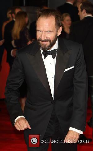 Ralph Fiennes Defends Daniel Craig Over Controversial James Bond Remarks