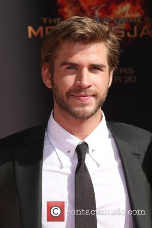 Liam Hemsworth Angered By Jennifer Lawrence Photo Leak
