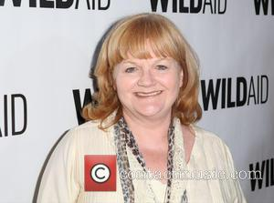 Lesley Nicol Gives Bears Christmas Treats In China