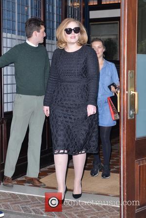Adele Makes It Third Week On Top In America