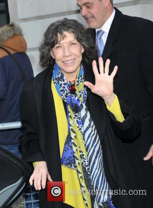 Lily Tomlin Hung Out With Manson Killer In Jail