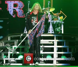 Def Leppard Scrap Gig Due To Illness