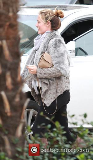 Cat Deeley - Pregnant Cat Deeley out on last minute christmas shopping at Barneys in New York in Beverly Hills...