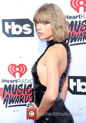 Taylor Swift Wins Big At The iHeartRadio Awards