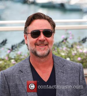 "Russell Crowe Apologises For Joke About ""Sodomising"" Female Co-Star"