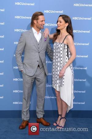 Josh Holloway and Sarah Wayne Callies