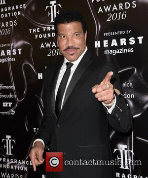 "Lionel Richie Says He's ""Scared To Death"" Over Daughter Sofia's Relationship With Scott Disick"