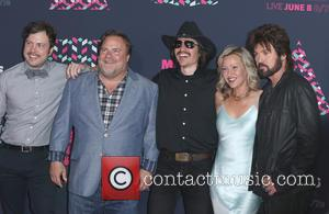 Travis Nicholson, Kevin Farley, John Sewell, Joey Lauren Adams and Billy Ray Cyrus