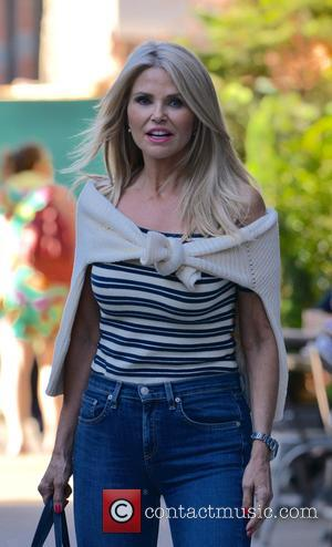 Christie Brinkley Defends Ex John Mellencamp Over 'Convoluted' Split Report