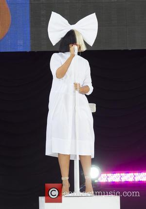Sia Fans Unhappy With Tel Aviv Show File Suit - Report