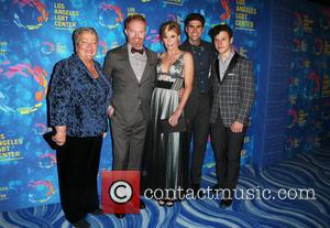 Jesse Tyler Ferguson, Justin Mikita, Lorri Jean, Julie Bowen and Nolan Gould