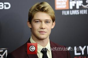 Joe Alwyn Has Come Out In Support Of His Girlfriend Taylor Swift