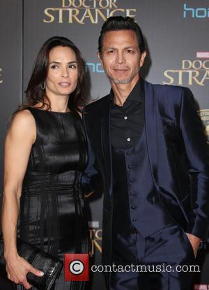 Talisa Soto and Benjamin Bratt