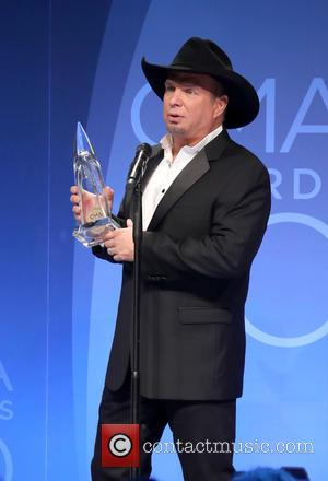 Garth Brooks Breaks Album Chart Tie With Tim Mcgraw