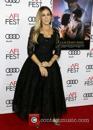 Sarah Jessica Parker at the AFI Festival opening night premiere of Warren Beatty's new movie Rules Don't Apply - Los...
