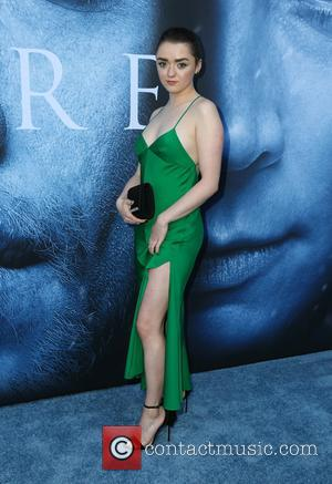 """'Game Of Thrones' Director Teases """"Violent But Surprising"""" Chapter In Arya/Sansa Rivalry"""