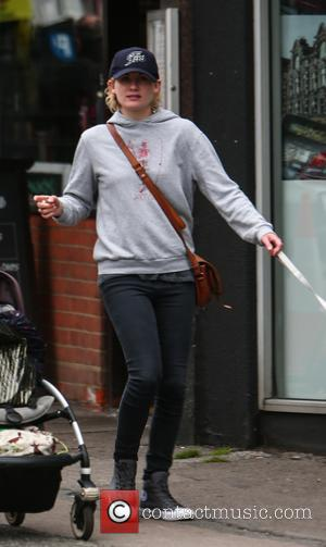 Jodie Whittaker - Jodie Whittaker, the next Dr. Who, out near her London home with her daughter. - London, United...